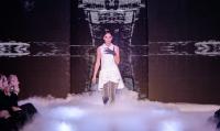 Pokaz mody Biały Pałac - ciężki dym